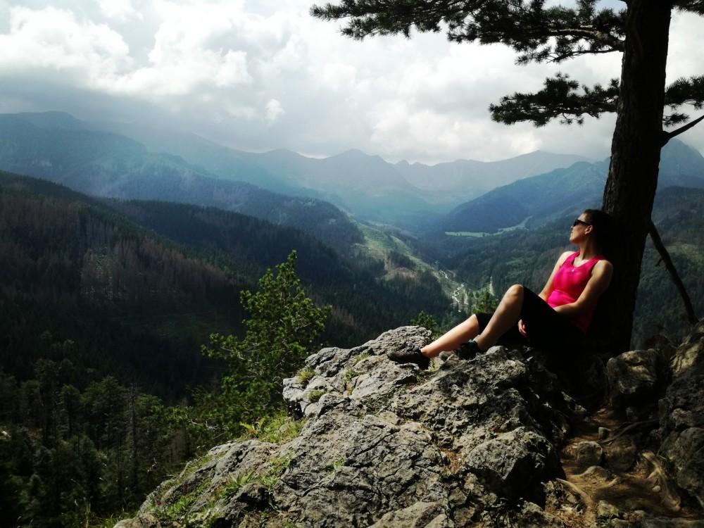 szczyt Nosal w Tatrach widok na gory i doliny